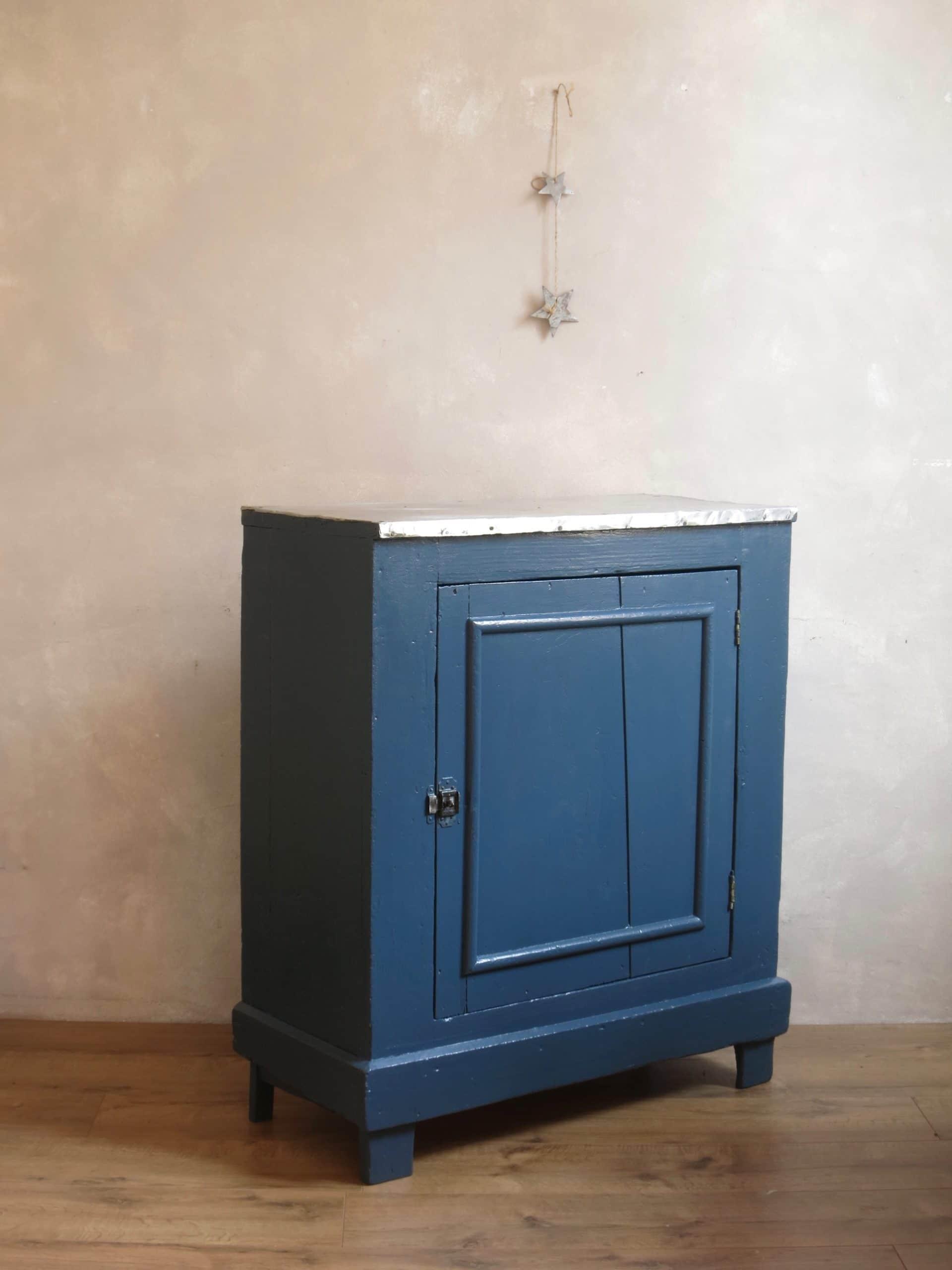 buffet parisien c 39 est vintage commodes tables et buffets vintage. Black Bedroom Furniture Sets. Home Design Ideas