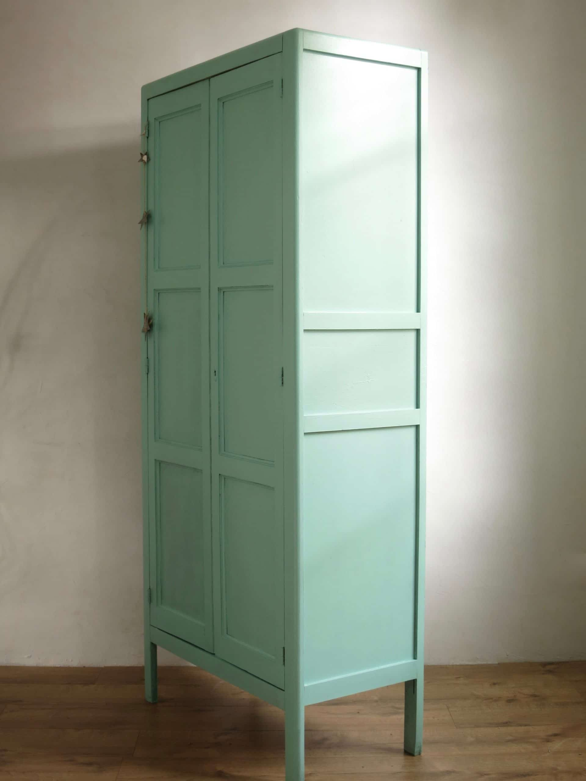 armoire parisienne armoire vintage maints vert mente. Black Bedroom Furniture Sets. Home Design Ideas