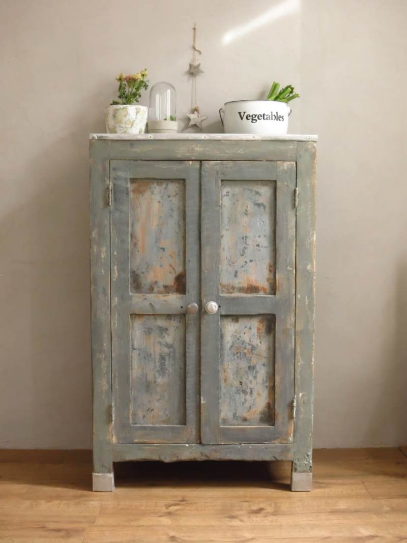 Garde-manger armoire vintage