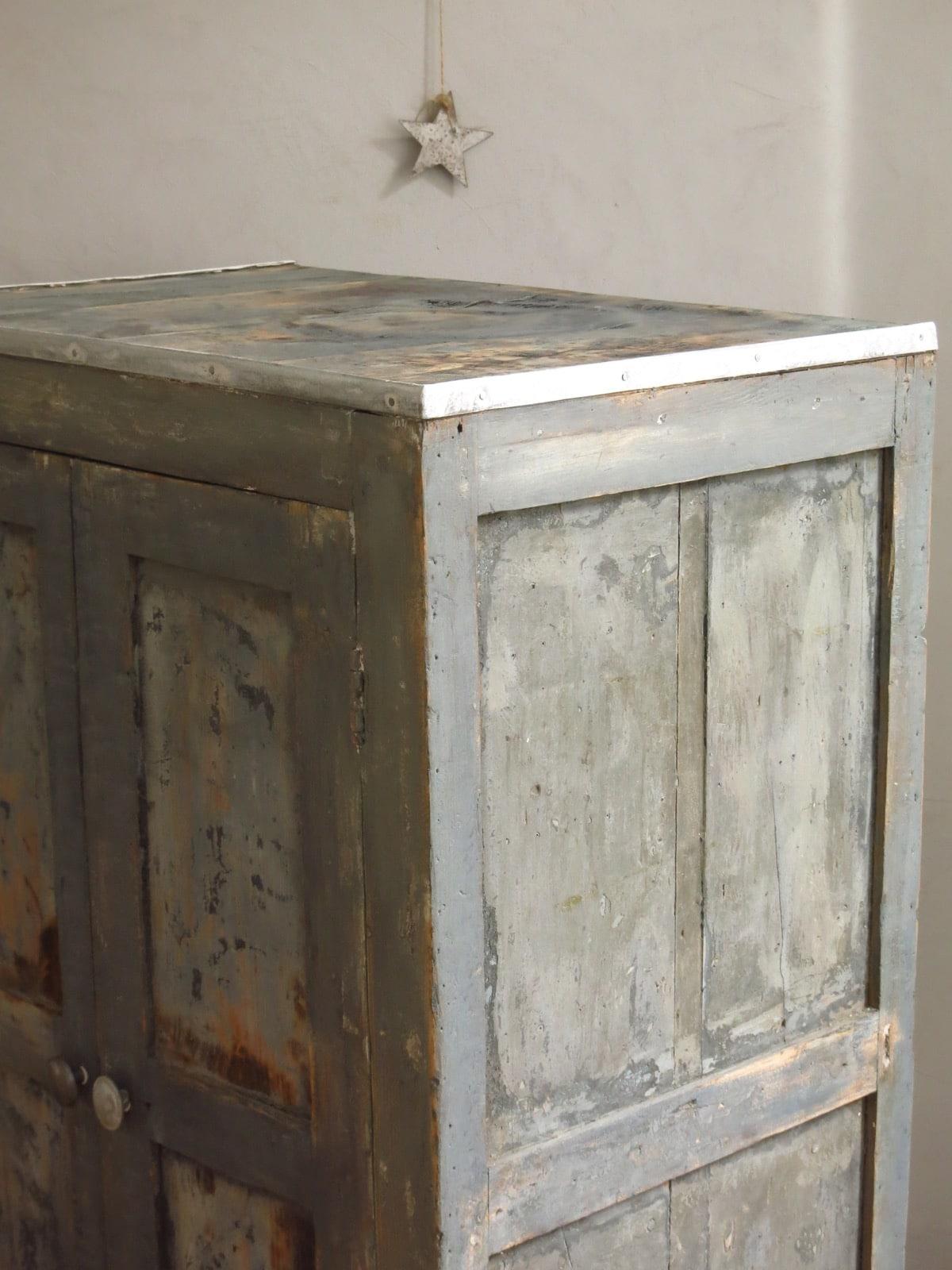 garde manger ancien armoire vintage buffet ann es 50. Black Bedroom Furniture Sets. Home Design Ideas