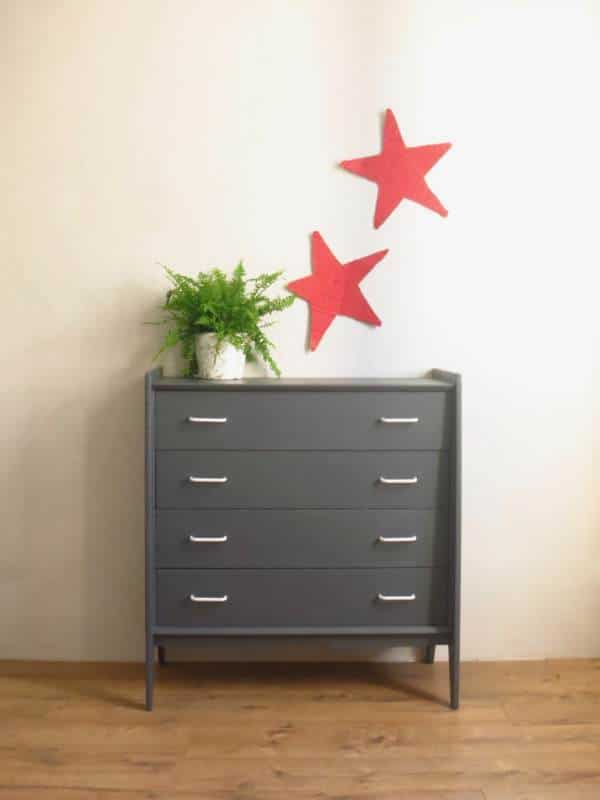 Commode vintage pieds ailerons