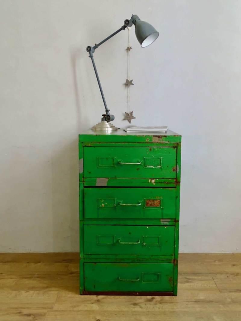Classeur industriel meuble de metier vert