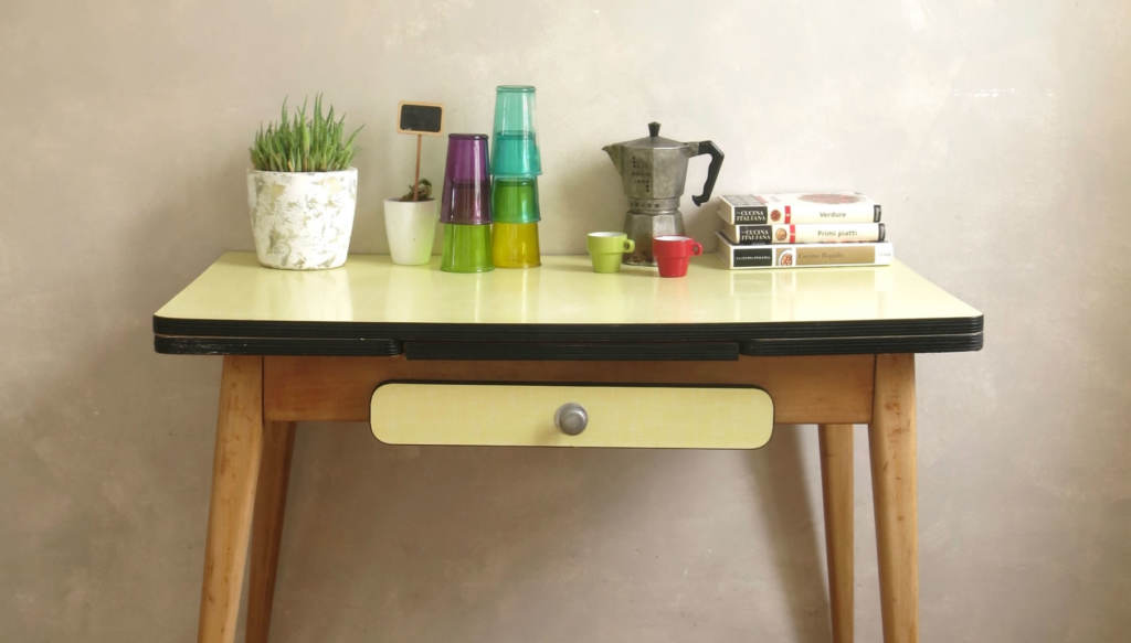 Mobilier vintage commodes armoires tables buffets c est vintage