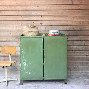Meuble d'atelier vert opaline