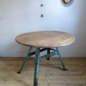 Table industriel ronde